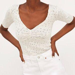 ✨NWT Zara Lace Crop Top